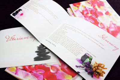 a5-spa-clean-simple-design-brochure-landscape-3dartstudio