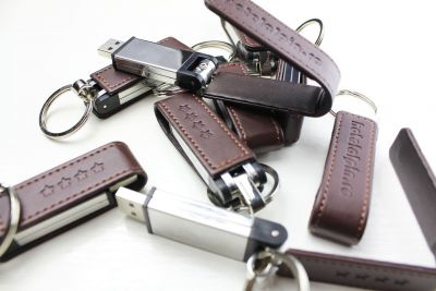 hotel-vector-design-and-personalization-leather-memory-stick-02-3dartstudio